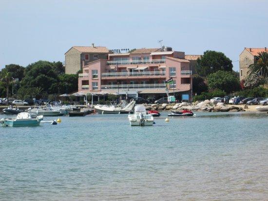 Hotel le Golfe : vus de l'hôtel à partir de la plage