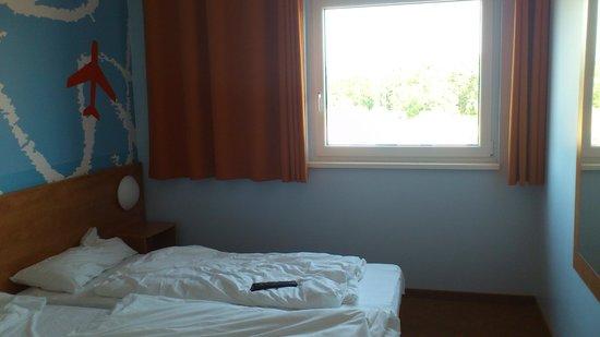 B&B Hotel Baden-Airpark: Habitación 1