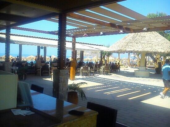 Ideal Beach Hotel: ideal beach bar :)