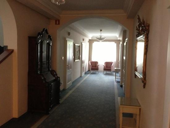 Hotel Meranerhof: corridoio