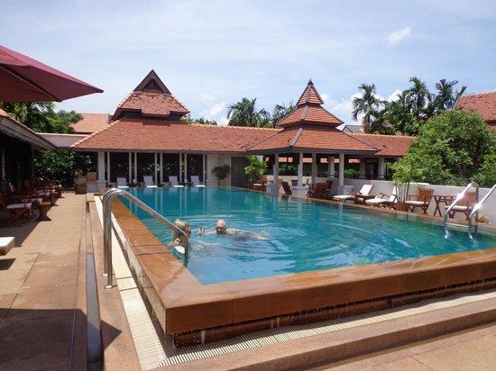 Bodhi Serene Hotel: Pool area