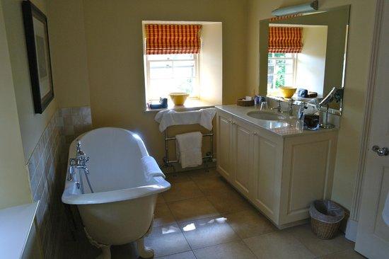 Archerfield House: Good bath
