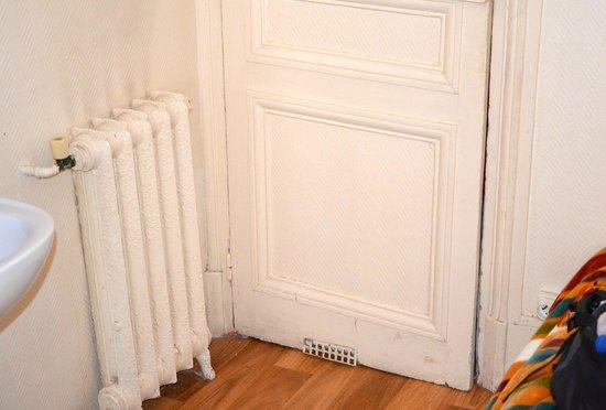 Hotel Bonsejour Montmartre: porta della camera che non si chiude