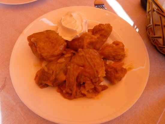 Iliomanolis Taverna: COURGETTE FLOWERS with HOMEMADE CHEESE