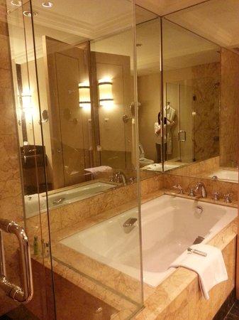 best bathtub ever.. love it! - picture of jw marriott hotel jakarta