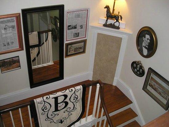 Bashford Manor Bed and Breakfast: Bashford Manor, stairway