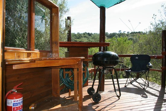 Teniqua Treetops: Braai on the deck overlooking the superb view