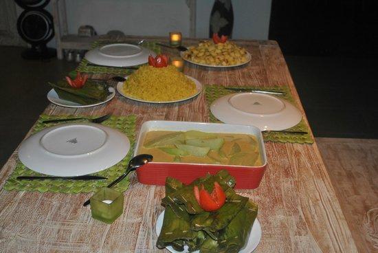 United Colors of Bali : repas prepare par la gentille cuisiniere