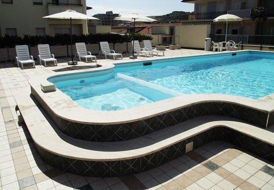 Hotel Costa Verde : Piscina