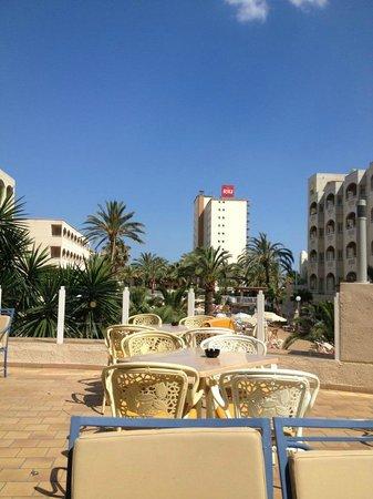 Hotel Riu Costa del Sol: Pool / Restaurant area