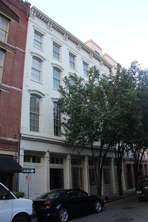 Loft 523 New Orleans: Exterior, almost no signage