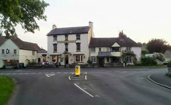 The Mary Arden Inn: Front view