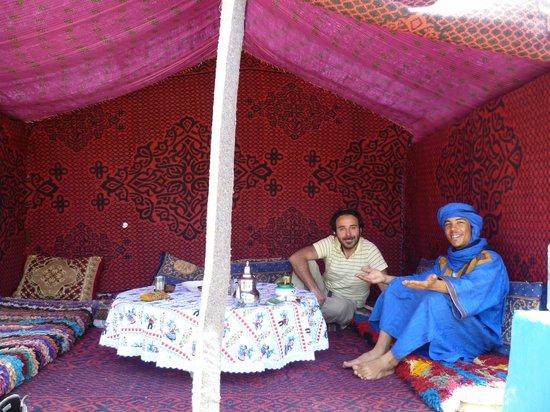 Chez les Habitants: Tenda esterna alla casa