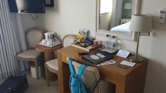 Roslin Beach Hotel: Double Room