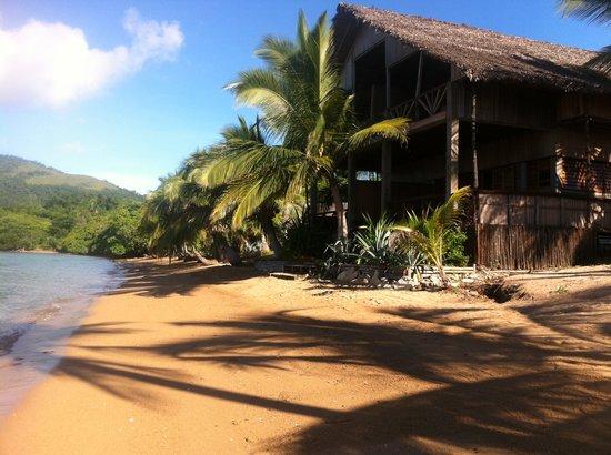 Antafondro, مدغشقر: le gîte pied dans l'eau.