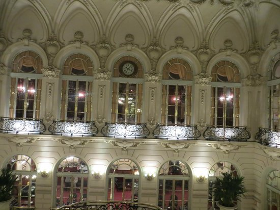 Casino de Madrid: Inside the Building