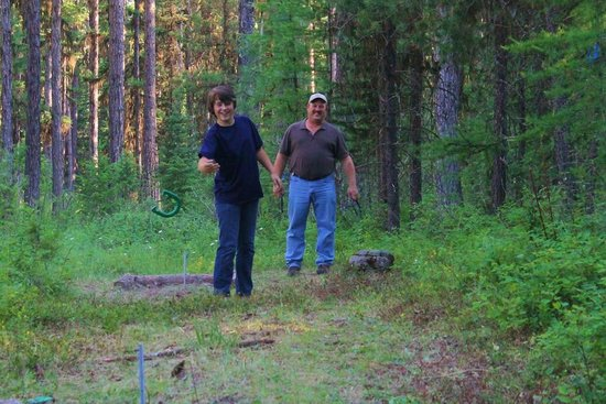 Swan Mountain Outfitters Day Tours: PLAYING HORSE SHOES