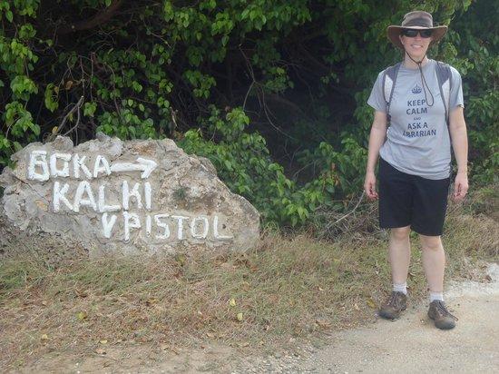 Shete Boka National Park: start of trail
