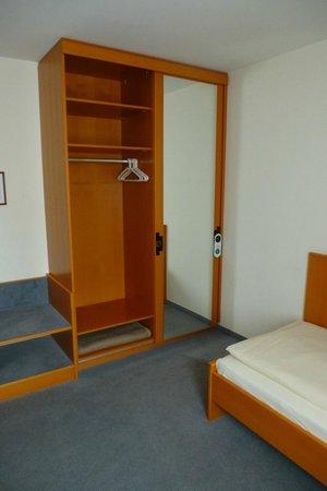 Gasthof-Pension Göttler: Zimmer