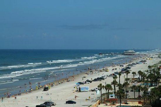 Hampton Inn Daytona Beach/Beachfront: The View North