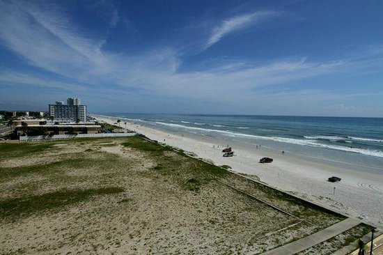 Hampton Inn Daytona Beach/Beachfront: The View South