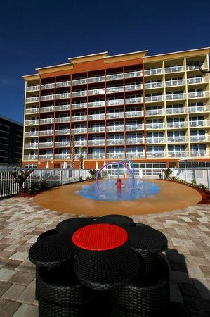 Hampton Inn Daytona Beach/Beachfront: The View from the splash park