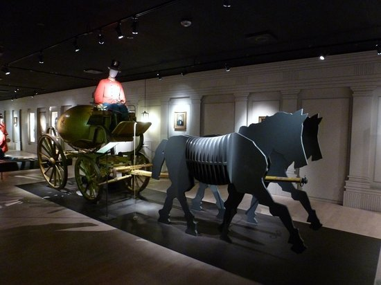 Post & Tele Museum: A mail-carriage