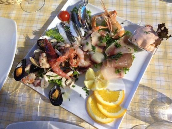 Ristorante Pizzeria Baglio del Falco: mixed seafood starter