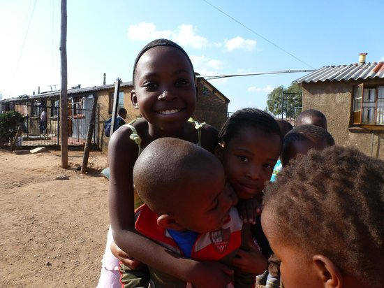 Soweto Bicycle Tours: Soweto children - love to pose for pictures
