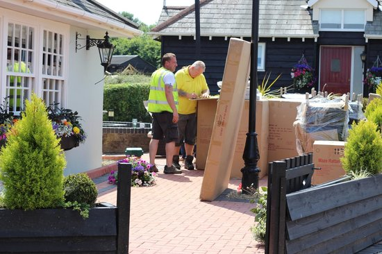 Old Red Lion Inn: New patio furniture arrived