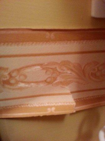 CDH Hotel La Spezia: decorazione nel bagno..... altezza speccio
