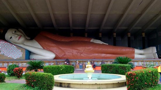 Wat Photivihan Sleeping Buddha