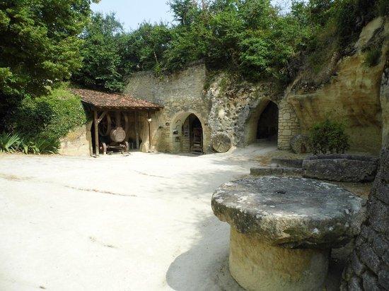 Musee Paysan du Village Troglodyte de Rochemenier : Première ferme du site