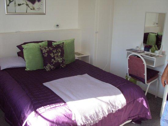 Hazelbrook Killarney : La cameretta viola/bianco/verde