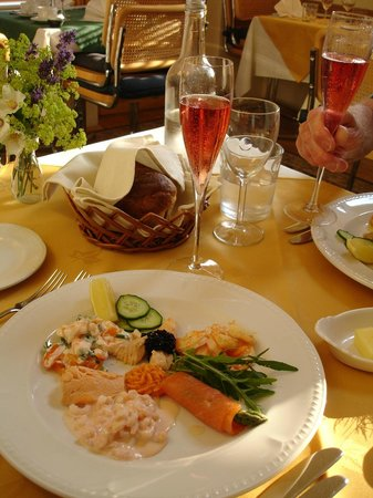 Fishbourne, UK: our evening meal