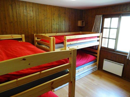 MAP Verbier-Village: Quadruple room/Chambre quadruple Pierre-Avoi 1