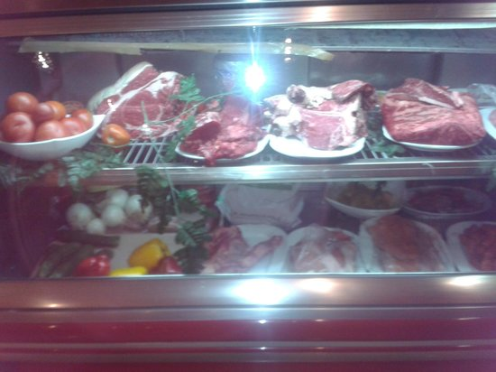 Steak House El Rincon: Choose which cut of meat you want.