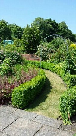 Manor Heath and Jungle Experience: walled garden