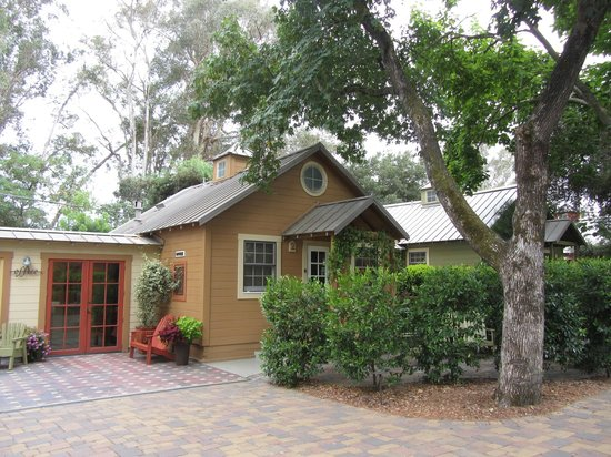 The Cottages of Napa Valley : Exterior view of my cottage (#2)