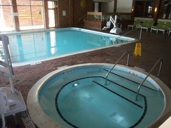 Lincolnshire Marriott Resort : indoor pool