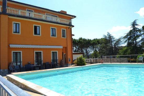 Hotel Fortebraccio (piscina)