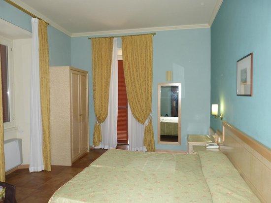 Hotel Belvedere : Chambre avec balcon