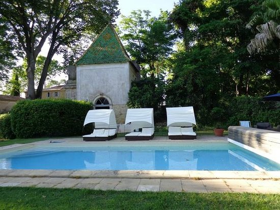 Chateau Rieutort : Swimming Pool