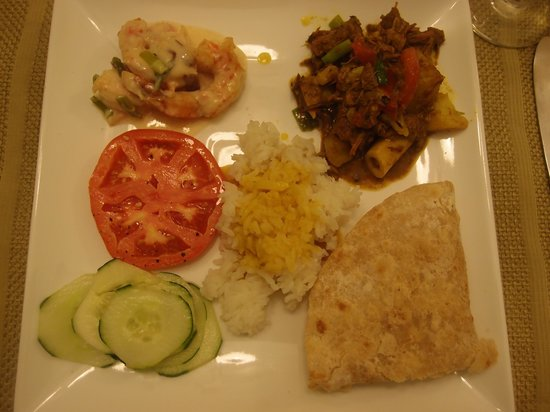 The Blue House Boutique Bed & Breakfast: Yummy Indian food with goat curry