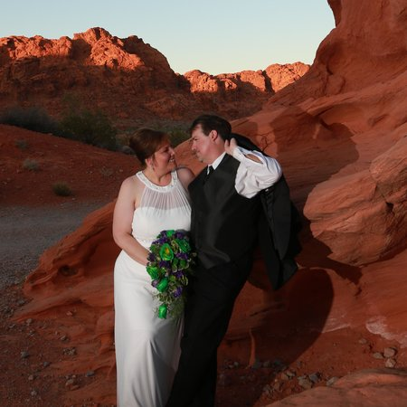 Scenic Las Vegas Weddings Chapel : Valley of Fire - Seven Sisters