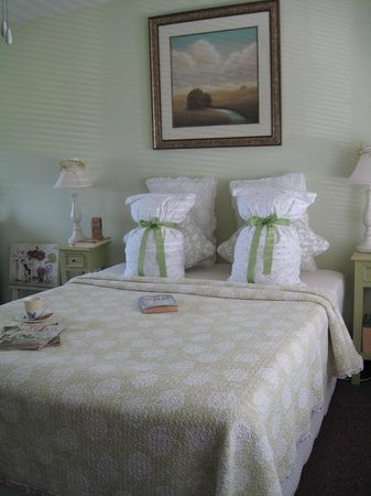 The Savannah House Inn: Mint Room