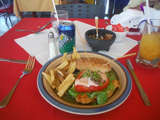 Loreto Islas: Chicken sandwich