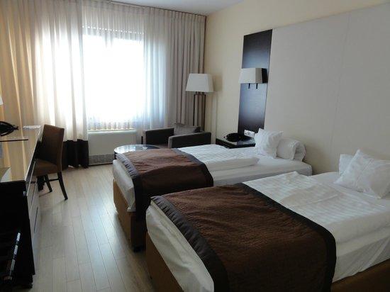 Lion's Garden Hotel: Room