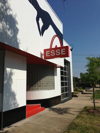 ESSE Purse Museum makes a striking statement inside and out.