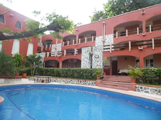 Hotel ZihuaCaracol: La alberca muuuy a gusto!